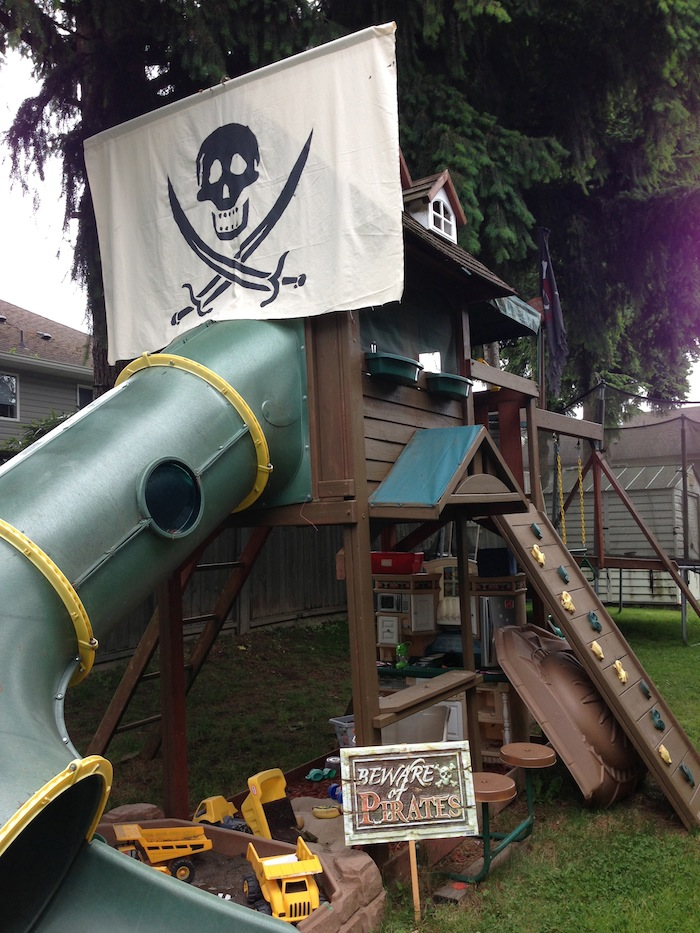 Pin pirate ship playhouse building plans ajilbabcom portal for Boat playhouse plans