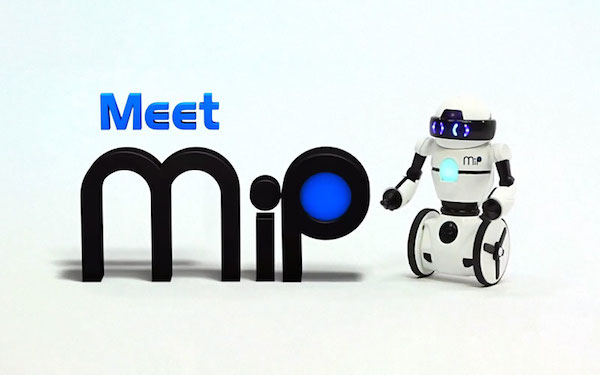 review of mip the robot toy survivemag. Black Bedroom Furniture Sets. Home Design Ideas