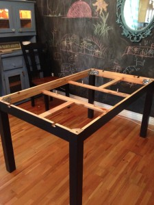 Ikea-hacks-bjursta-table